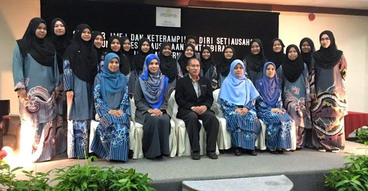 Seminar Imej Dan Ketrampilan Diri Setiausaha   Unit Kesetiausahaan Pentadbiran Jabatan Perniagaan KVK