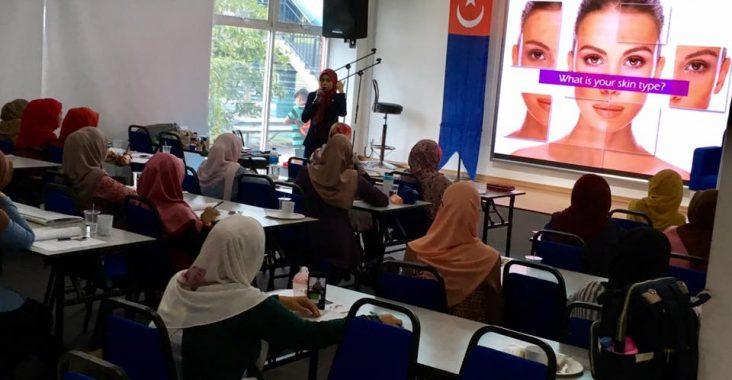 Bengkel Personaliti, Penggayaan Hijab Dan Solekan | IKLAS | 17 November 2018